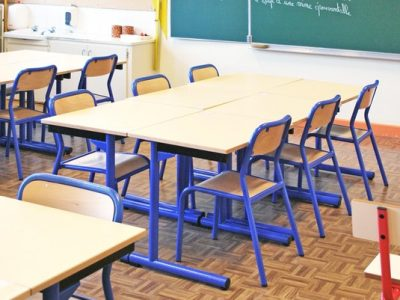 Tables-chaises-scolaires-3